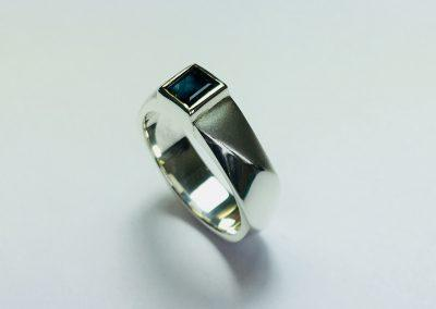 Gents Sapphire Ring