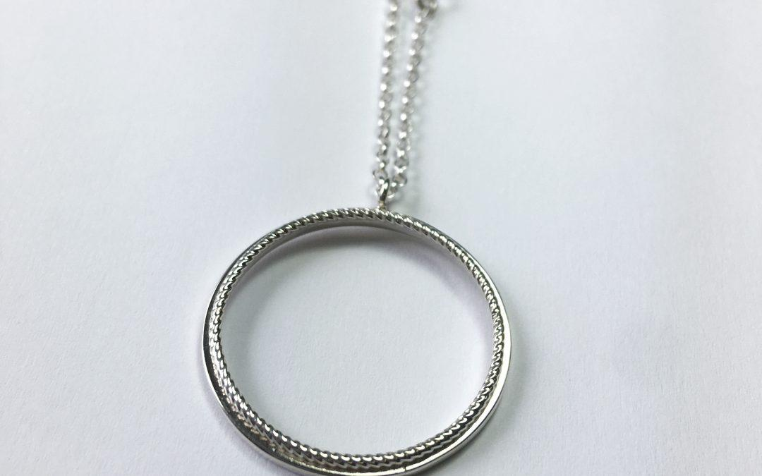 Elliptical Necklace 002