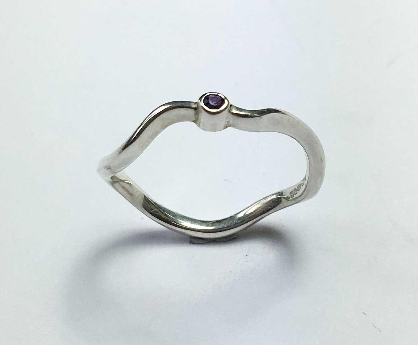 Serenity Ring – Single Amethyst
